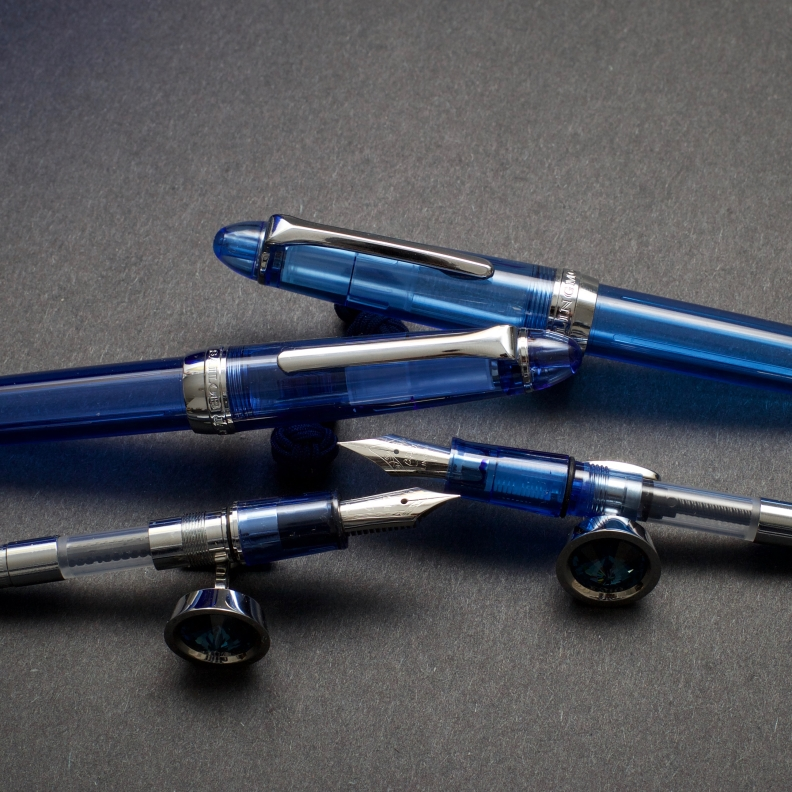 Lorelei vs. Sailor Procolor 500_Blue Demonstrators_Comparison Review_Duel of fates - 4