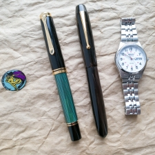 SIZE COMPARISON BETWEEN EDISON COLLIER AND PELIKAN M1000.jpeg