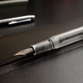 Opus_88_Koloro_Demonstrator_Review_An_Authentic_Eyedropper_made_in_Taiwan_Clear_Acrylic - 12